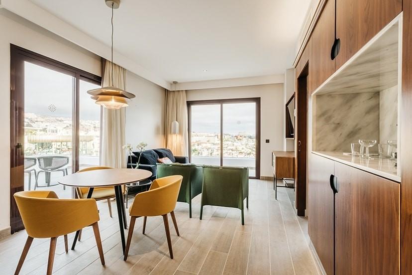 HOTEL NIVARIA BLUX